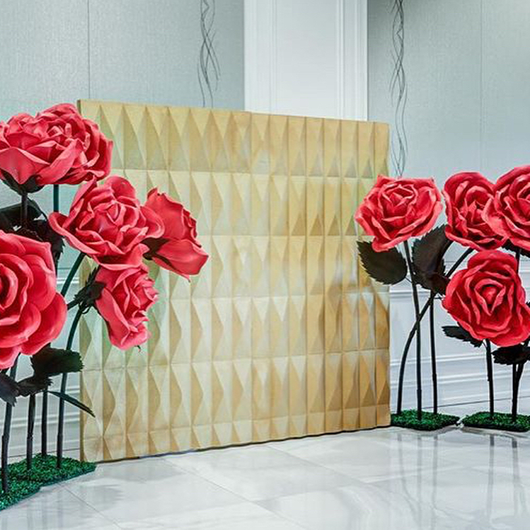 large-flowers-and-gold-backdrop